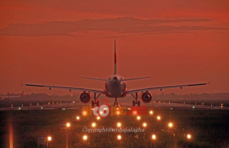 Berita dan Artikel, Politik, Hukum, Galeri Foto Bandara, Maskapai Penerbangan, Terbaik, Jadwal Penerbangan, Spesifikasi Pesawat Terbang, Profil Bandara dan Airline, Peraturan Penerbangan