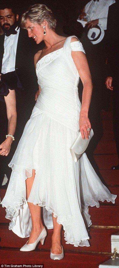 Diana loved this dress so much that she also wore it during an evening at the ballet on an official visit to Rio de Janiero, Brazil, in April 1991