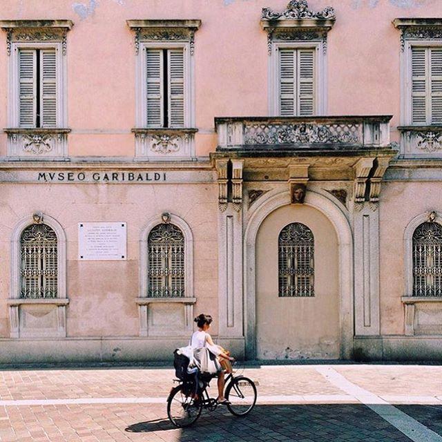 Oh Italy #regram • @nicolasthomaskoenig #colour #inspo #pastel #ss16