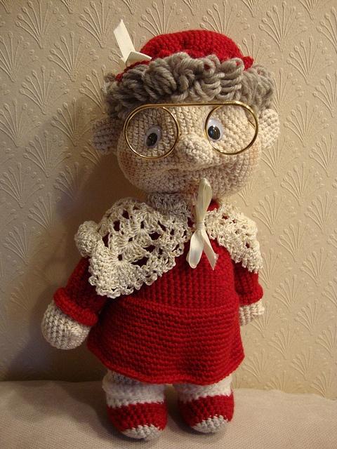 Granny (2) by amigurumi-aholic, via Flickr