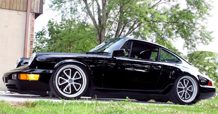 Many Thanks To Dan Santimays For Being The First To Step Up And Run A Set Of 18 52uo Wheels On His 964 They Loo Porsche Sports Car Porsche Porsche 964