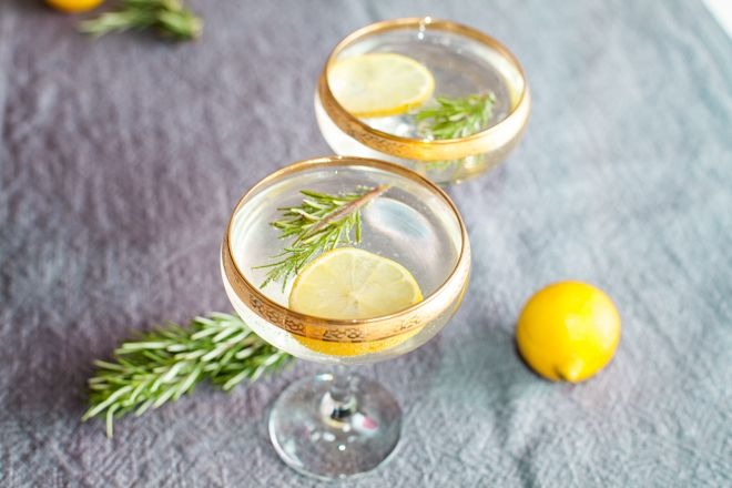 The Life Styled - Rosemary Diamond Fizz:  champagne, gin, lemon and rosemary simple syrup