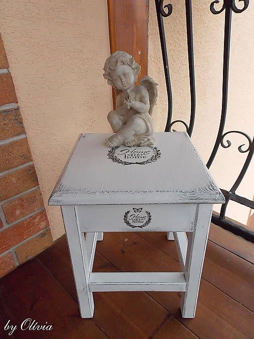 Hokerlík -stolík malý -  shabby chic Sweet home