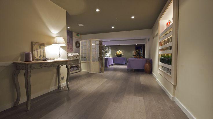 Interior design by David Juárez Ollé Restaurant, Barcelona