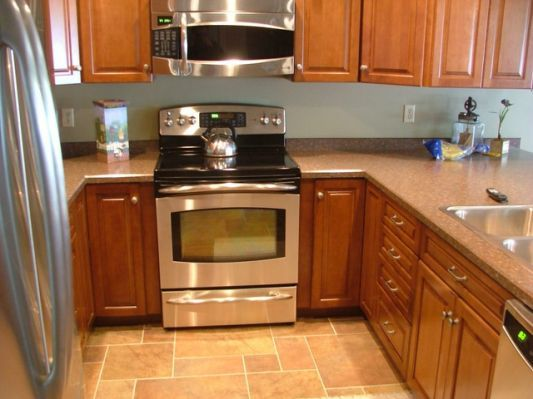 Best 25 small l shaped kitchens ideas on pinterest l for Kitchen cabinets 12x12