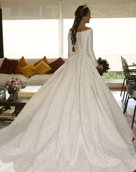 princess in white http://www.nnavascues.com/nuestras_novias2.php