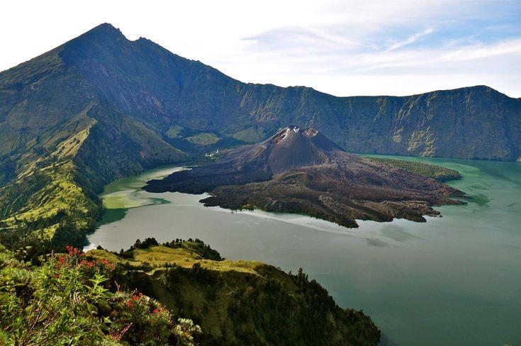 Le Mont Rinjani, célèbre volcan.