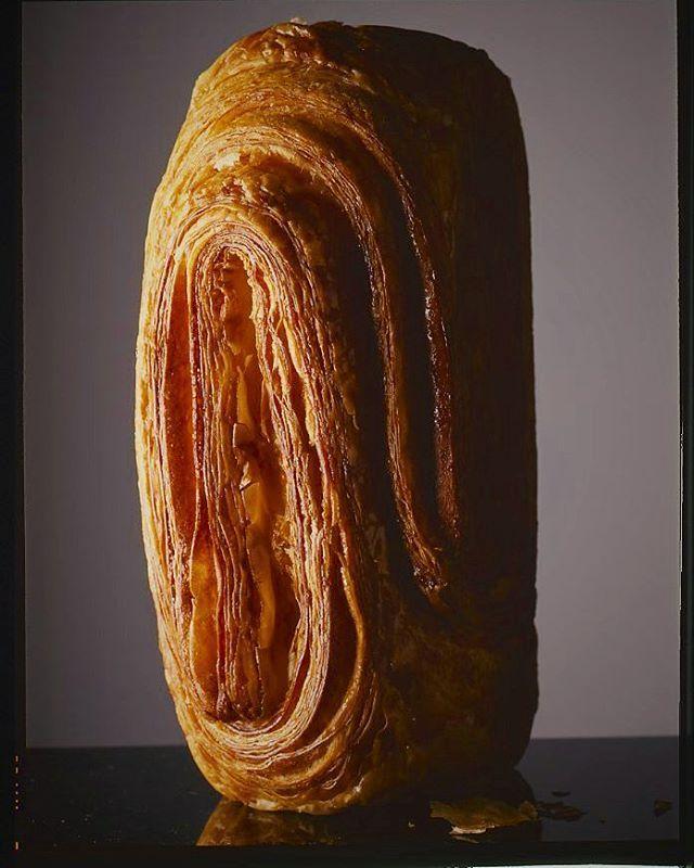 Brioche feuilletée au sucre grain #philippeconticini #conticini #pâtisserie #desserts #gateaux #cakes #feuilletage #vienoiserie #puffpastry #brioche #pastry #pasta