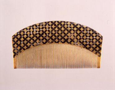 「七宝繋蒔絵櫛」 江戸~明治時代19世紀 サントリー美術館
