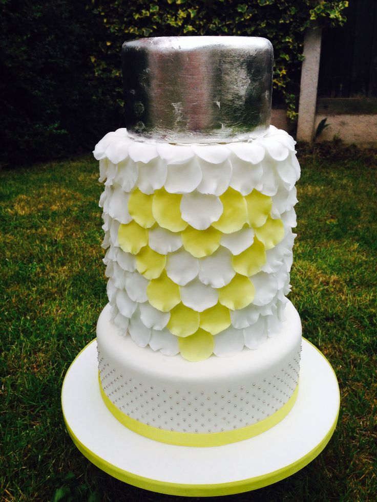 Yellow heart petal wedding cake