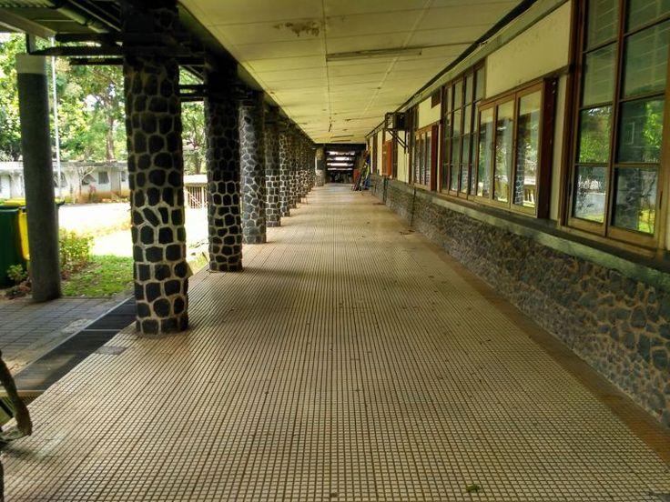 """""""Tembok Ratapan"""" di Kampus ITB"""