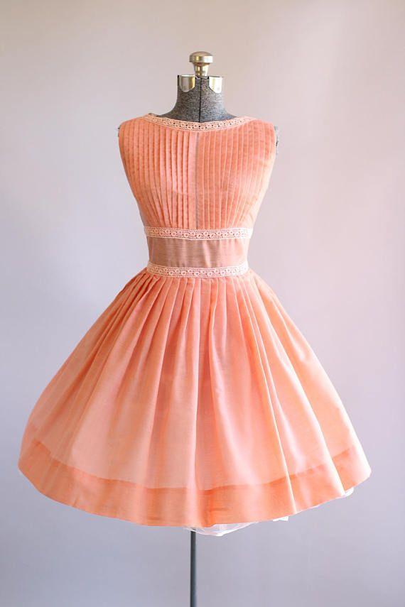 Vintage 1950s Dress / 50s Cotton Dress / Peach Pleated Dress w/ Crochet Trim S