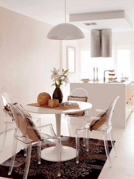 Las 25 mejores ideas sobre mesa redonda comedor en for Sillas cocina transparentes