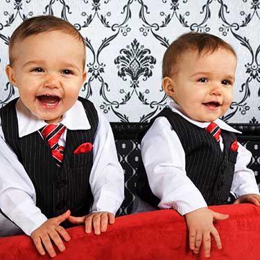 Podívejte se na legrační videa dvojčátek. Zaručeně se začnete smát také. #děti #dvojčata #vtip