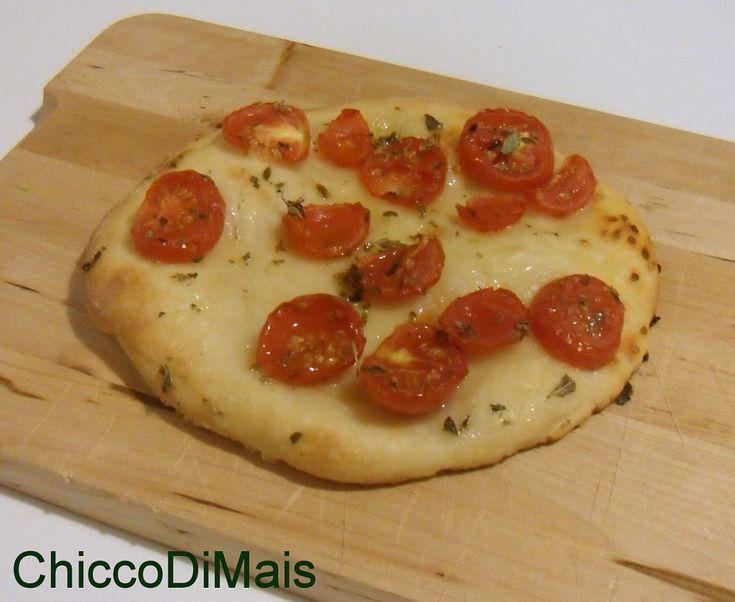 Focaccia senza glutine con pomodorini e origano ricetta aperitivo il chicco di mais http://blog.giallozafferano.it/ilchiccodimais/focaccia-senza-glutine-con-pomodorini-e-origano-ricetta-aperitivo/