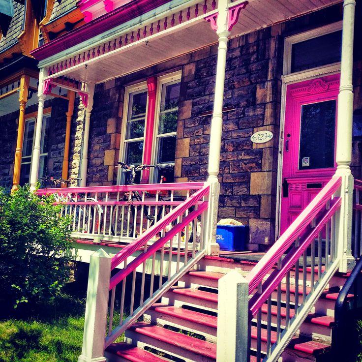 Westmounts colorful neighborhood