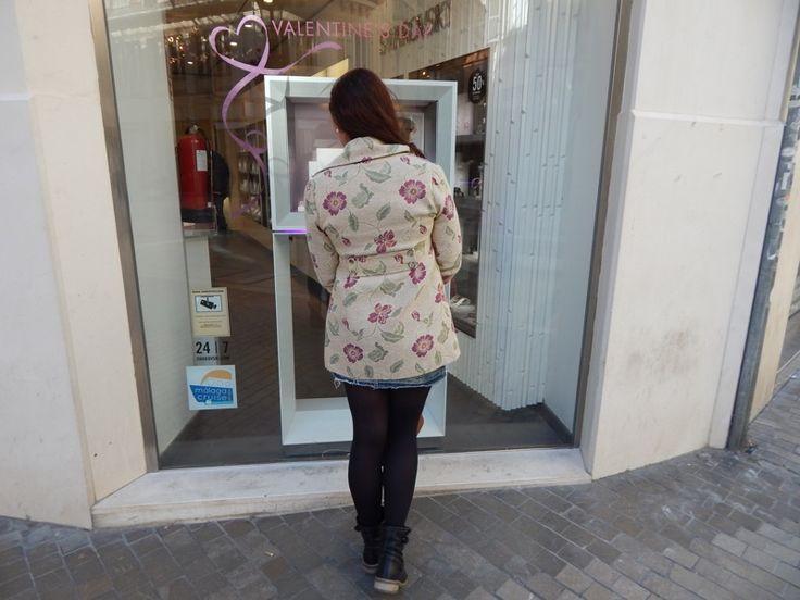 Abrigo de flores http://miarmario2punto0.blogs.elle.es