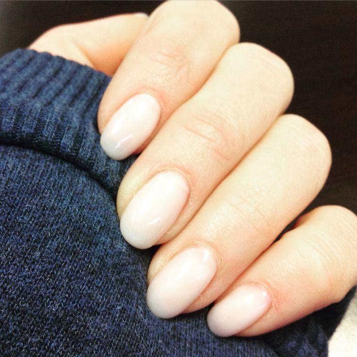White gel oval nails #getgeli