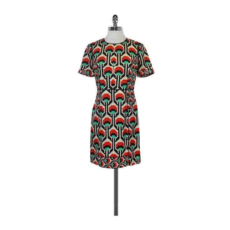"<p>Psychedelic geometric pattern gives this great dress a retro vibe like no other. Style it with a wide brim sun hat and sunglasses for a casual weekend look.</p>  <ul> <li>Size 4</li> <li>Shell/combo 100% silk</li> <li>Lining 100% polyester</li> <li>Made in USA</li> <li>Exposed back zip</li> <li>Shoulder to hem 35""</li> </ul>"