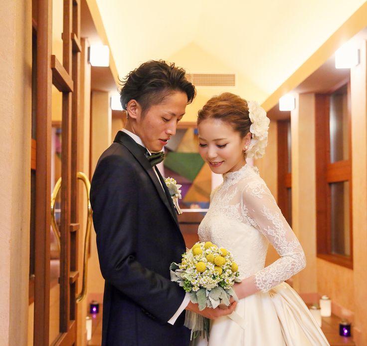 ホテルブレストンコート・軽井沢高原教会にて挙式 フランスレースのロングスリーブのクラシカルで清楚なウェディングドレス