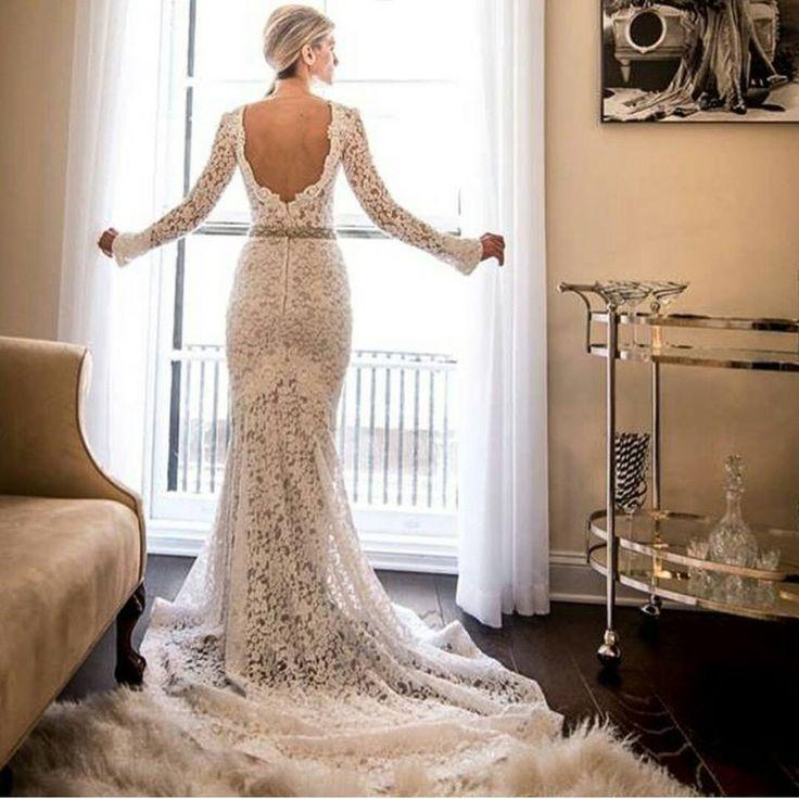 https://www.facebook.com/WeddingBlogger/photos/a.505924232825950.1073741832.223169324434777/767593916658979/?type=1