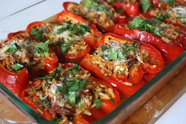 Toltott Paprika -- mmmm these stuffed bell peppers look delicious!Foodmain Dishes, Food Ideas, Awesome Eating, Rice Stuffed Peppers, Wild Rice, Orzo Stuffed, Stuffed Belle Peppers, Healthy Recipe, Food Maine Dishes