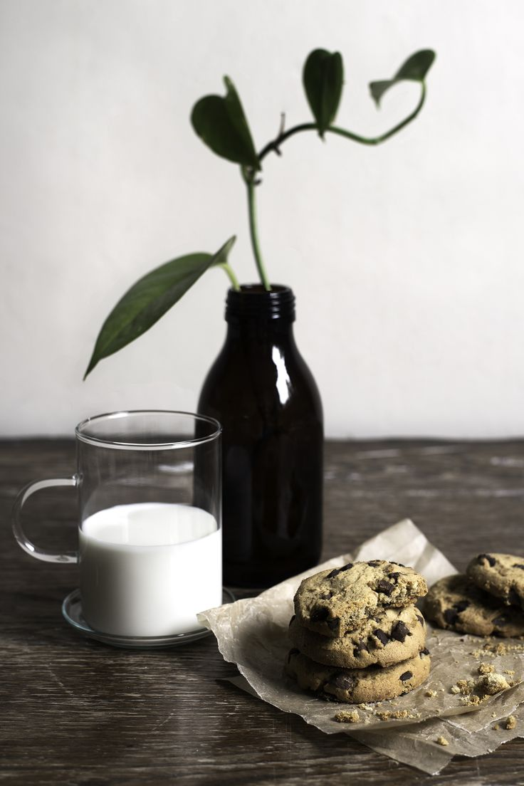 cookies + milk / food photography by Aimee Porter