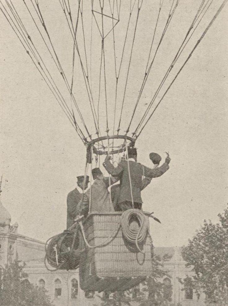 Taksim'de uçurulan balon (1895) #birzamanlar #nostalji #istanlook