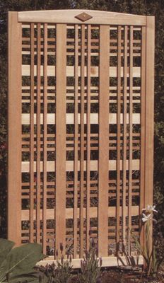 Diy how to build a free standing lattice screen plans free for Free standing screen