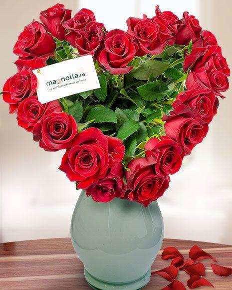 Buchet in forma inima cu 21 de trandafiri rosii.