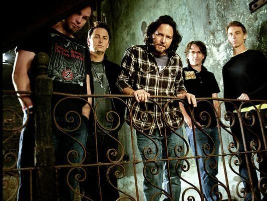 Conheça os projetos paralelos dos integrantes do Pearl Jam: http://ow.ly/pJvVN