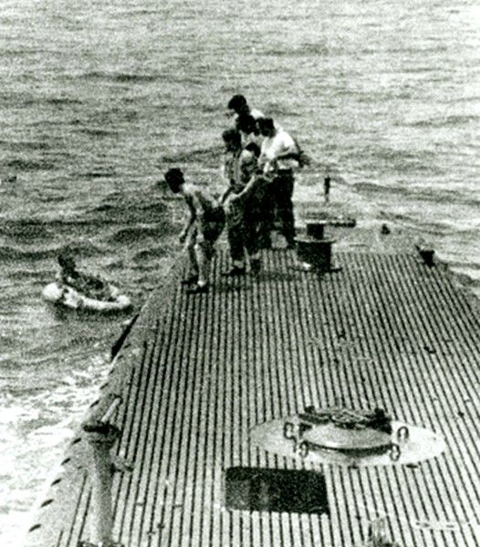 Tbm Pilot George H W Bush Being Rescued At Sea After Bailing Out Of