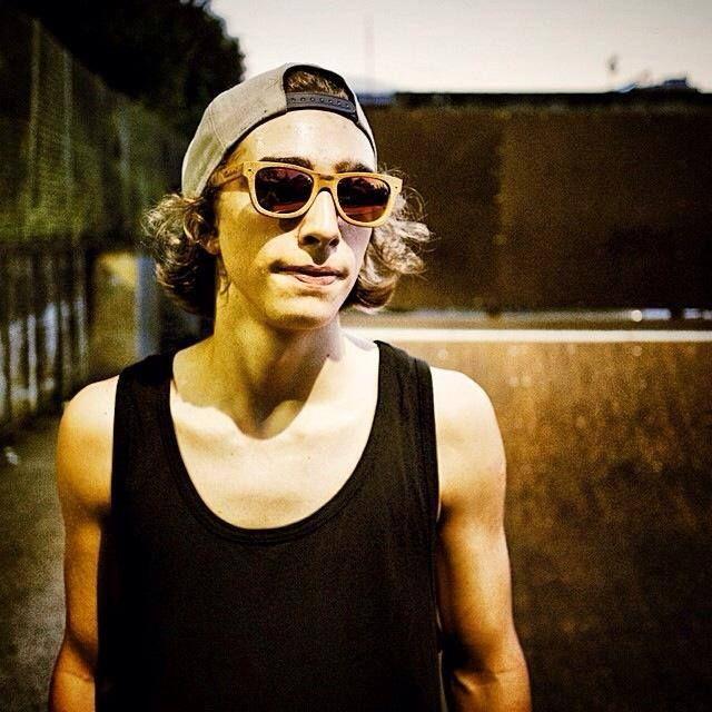 [ECOpeople] Skater & Stone Surf Habana #bamboo #sunglasses Photo by Alessio Corradini