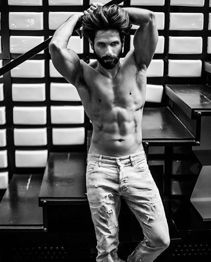 My favourite indian actor! The best! Shahid Kapoor be my LOVE! I adore him to death. His looks, nature, acting is just superb!❤️ Forever goals he is. Sexyyy aff too.😍 #loveyoushahid😘