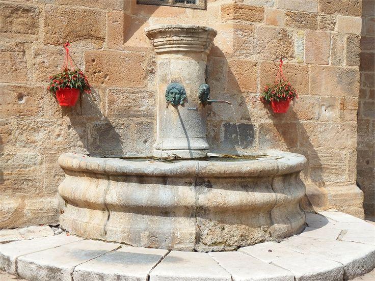 Fountain, Canourgue, Lozére, dept 48.