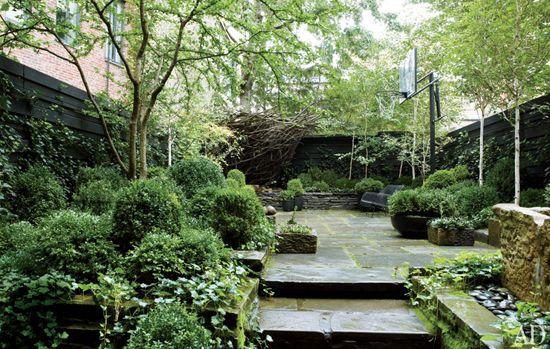 j mooreNew York Cities, West Village, Outdoor Gardens, Cities Gardens, Gardens Design, Basketbal Court, Basketball Court, Architecture Digest, Julianne Moore