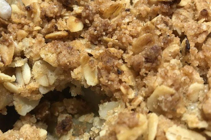 Amaretto hruškový crumble