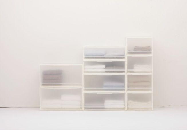 *MUJI 無印良品 minimal stackable storage boxes