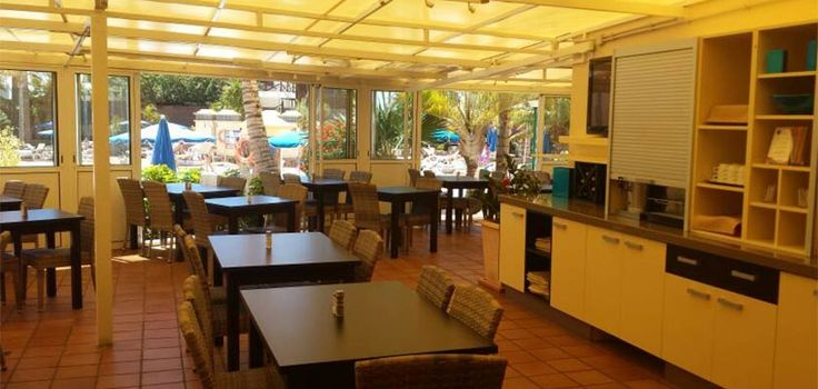 Restaurant in Monte Feliz Apartments
