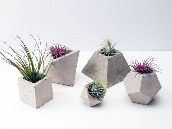Set of 5 Geometric Concrete Planters von OKConcrete auf Etsy