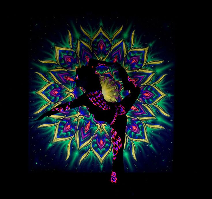 Dancer in UV light - airbrush painting, acrobatic show, LED black light show Anta Agni http://antaagni.com/uv-light-show/