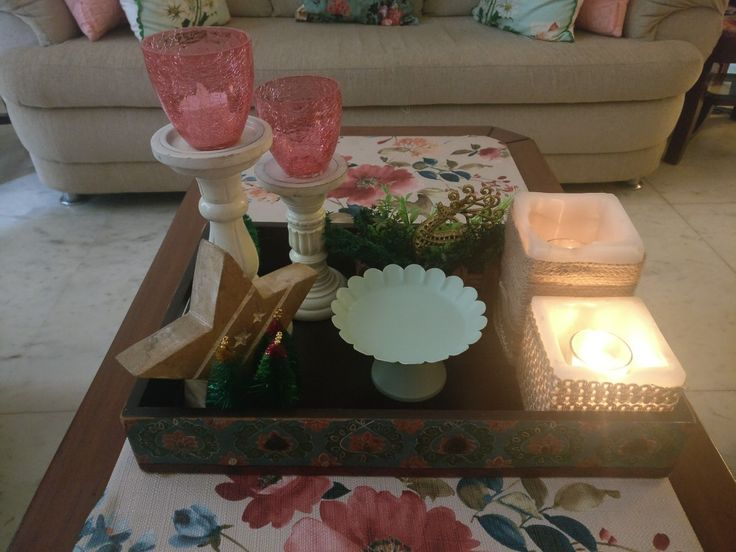 Xmas 2017 India: warm mint, salmon pink, burlap wrapped candles