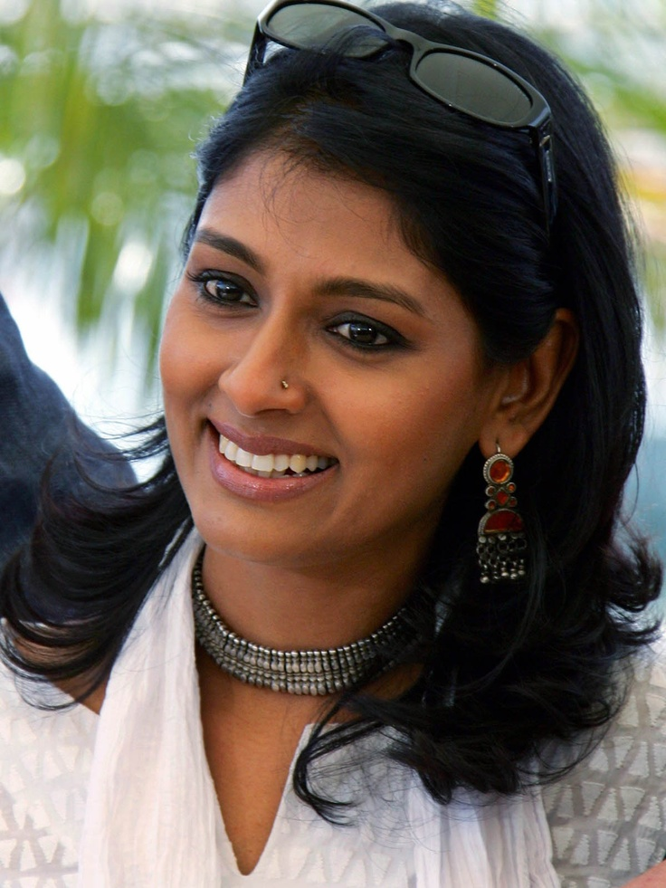 Nandita Das epitomises strength and earthen beauty of India. She denounces conventional glamour and prefers Indian ethnic look which highlights her beauty. Description by Pinner Mahua Roy Chowdhury