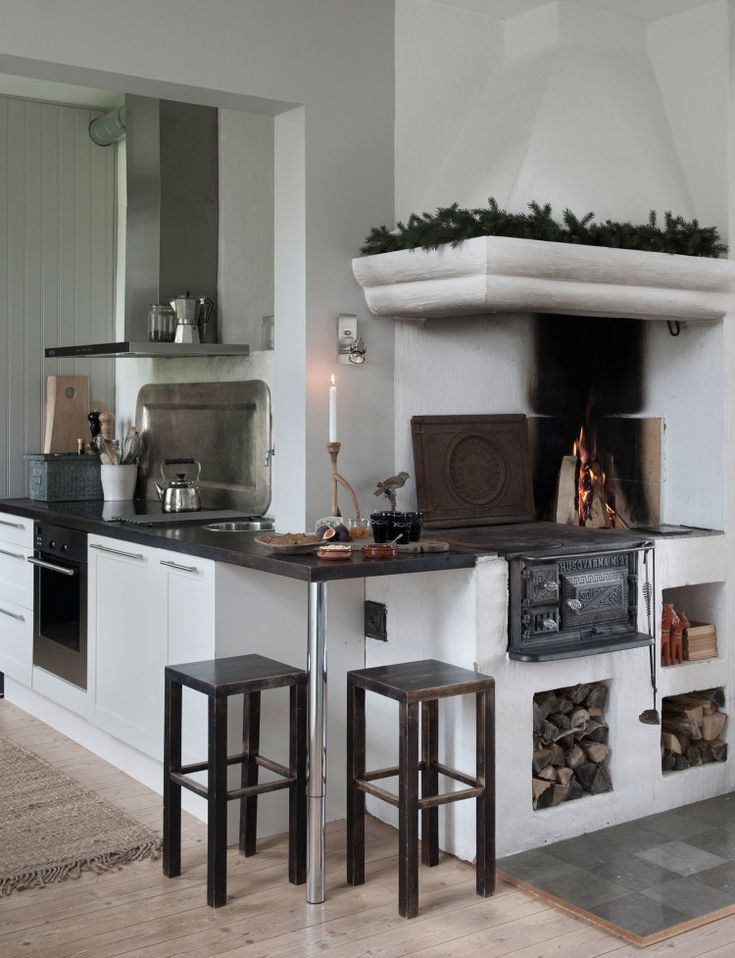 An enchanting Christmas in shades of grey - Homes To Love