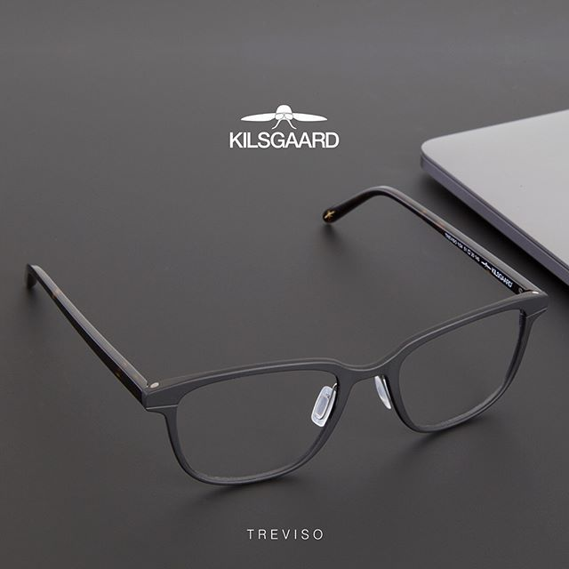 The Kilsgaard collection is classic in shapes and materials. Minimalistic and clean, yet very unique and elegant. The devil is in the detail, they say, so take a closer look and appreciate the fine details. Treviso is one of our masculine frames made of pure aluminum and acetate temples. ⠀  ⠀  ⠀  ⠀  #kilsgaardeyewear #eyewear #black #aluminum #glasses #spectacles #briller ⠀