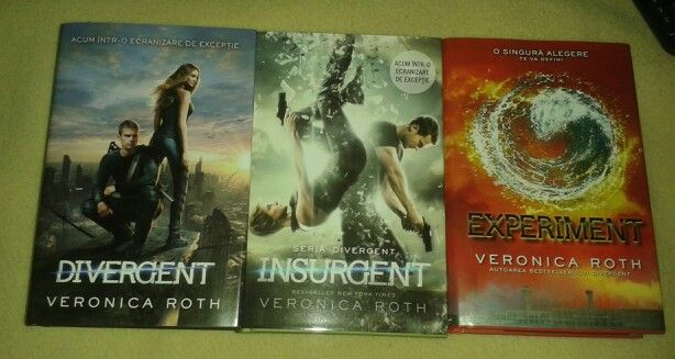 Divergent series by Veronica Roth.