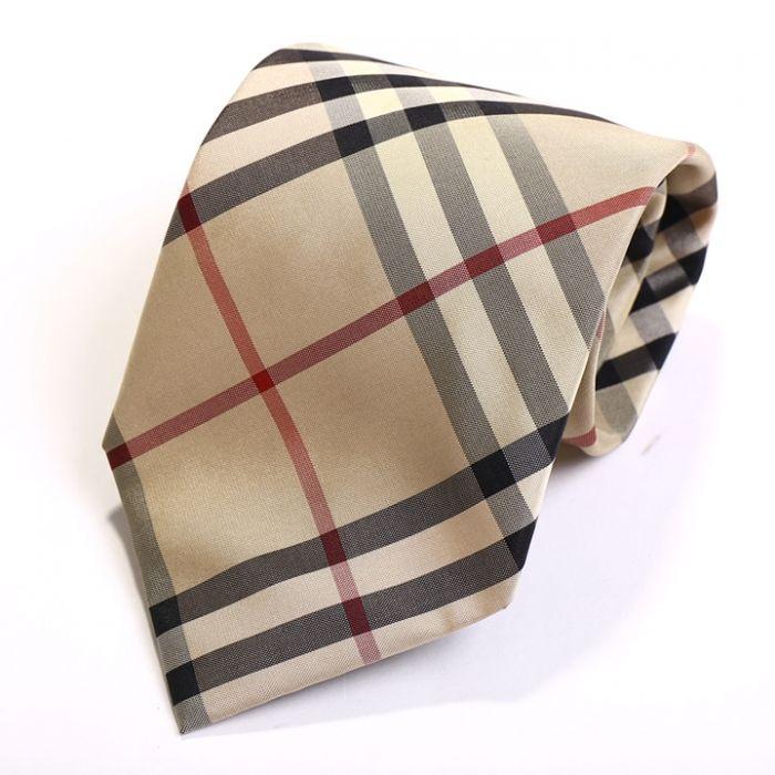 バーバリーチェック柄が存在感抜群のネクタイです。 詳細はこちら>http://bbl-shop.com/?pid=75898206  #バーバリー #メンズ #ビジネス #ネクタイ #バーバリーロンドン