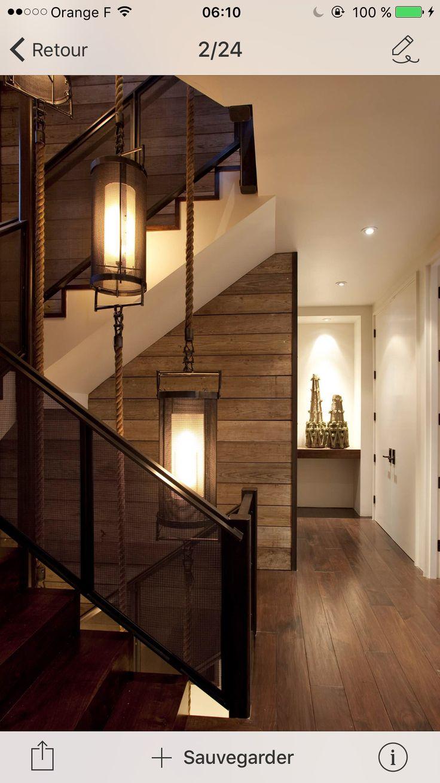 Petit mur en bois (balcon parent) fini avec latte de métal