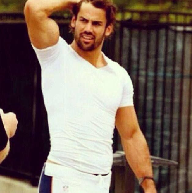 I love football, always have. But for the ladies that could give two shits less about the superbowl, let me introduce you to the Broncos wide receiver... Mr. Eric Decker ;)
