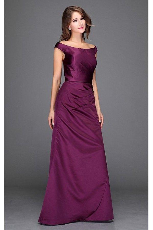 Společenské šaty Ocean Luxusní šaty vhodné na plesy i jiné společenské události aneb v jednoduchosti je krása. Dokonalé šaty vhodné pro dámy, které si potrpí spíše na decentní střih, přesto však s důrazem na kvalitu materiálu a provedení. Krásný sytý odstín fialové barvy dodá šatům na eleganci, materiál podobný saténu (ne tolik lesklý, o něco málo silnější). Jednoduchý střih s mírně spadlými širšími ramínky, nabrání k jedné straně s rozparkem, který je ovšem jen další vrstvou, takže se…